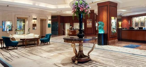 Hilton-Park-Lane-Hotel-Audio-Visual-System-Installation-600x275